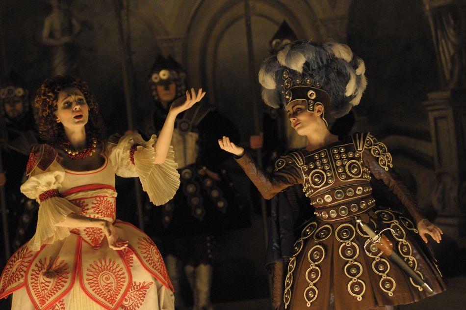 Delphine Galou und Berit Barfred Jensen in »Radamisto«. Foto: Jacqueline Krause-Burberg.