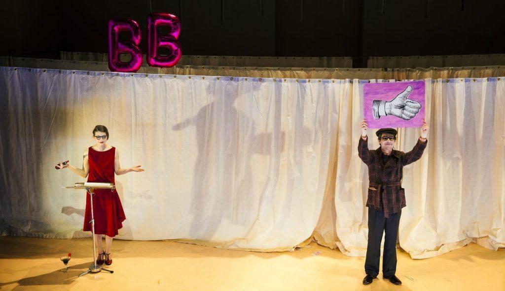 »Die Welt ist schlecht! Und ich bin: Brecht!« Foto: Kai Wido Meyer.