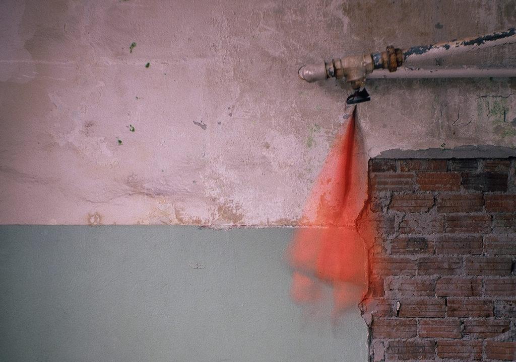 Plissierter Pajero »Feuervogel« (2006). Foto: Jörg Preisendörfer.