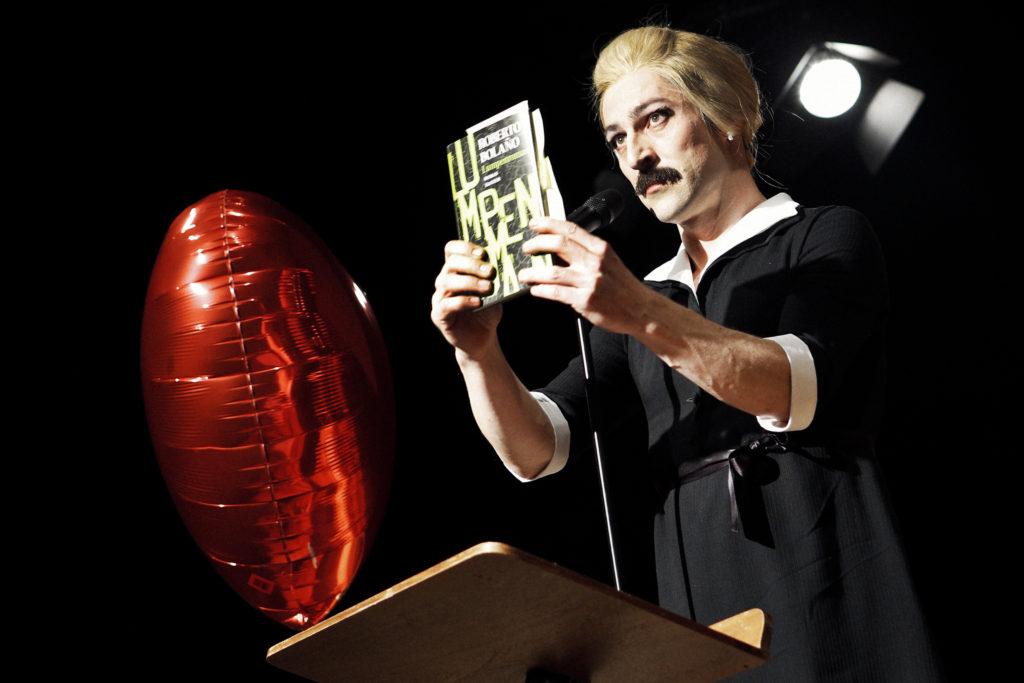 »Wengenroths Autorenklub, Ausgabe 3: Roberto Bolaño«. Foto: Gianmarco Bresadola.