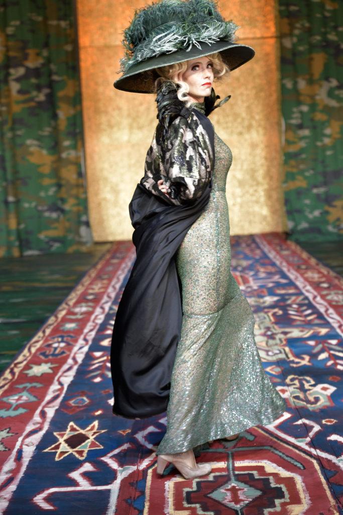 Ursina Lardi in »Champignol wider Willen«. Foto: Thomas Aurin.