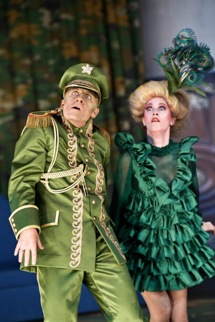 Axel Wandtke und Iris Becher in »Champignol wider Willen«. Foto: Thomas Aurin.